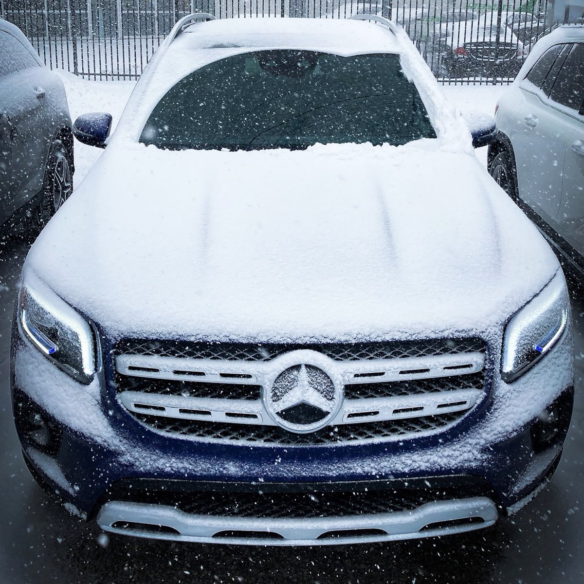 A snow angel meant for all terrain   2021 GLB250 4MATIC SUV   . . #mbptbo #shemercedes #SUV #blue #snow #angel #mercedesbenzcanada https://t.co/JFx2thFPSe