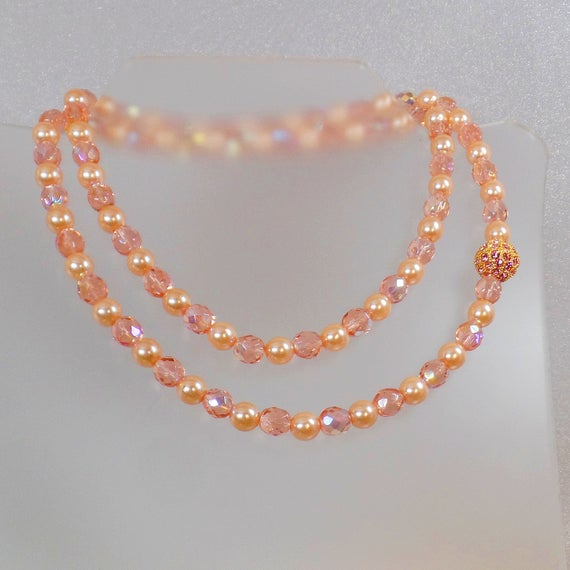 Pearl Necklace. Joan Rivers Necklace. #Vintage Necklace. Crystal Necklace. Austrian Necklace.  Pink Necklace. waalaa. Necklaces for Women. #antique #shopping #jewelry #jewellery #gifts #wedding #etsy