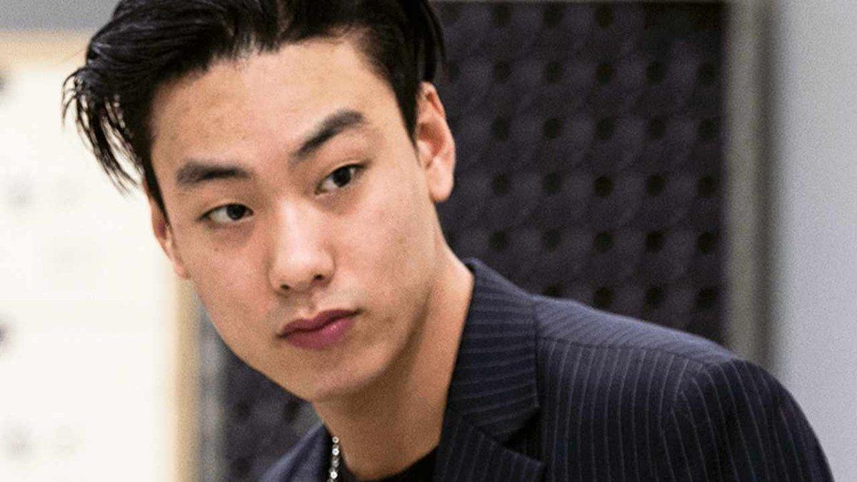 Polícia investiga caso de rapper sul-coreano morto aos 29 anos; suspeita é de homicídio -->    #IRON #Kpop