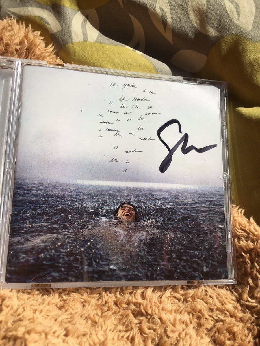 Today I went to the mail to pick up this baby ✨ I can't believe it's finally here with me in Chile after a lot  of waiting and I couldn't be happier! You don't how much this album means to me and how much I love it and appreciate it ♥️ @ShawnMendes @ShawnAccess #Wonder