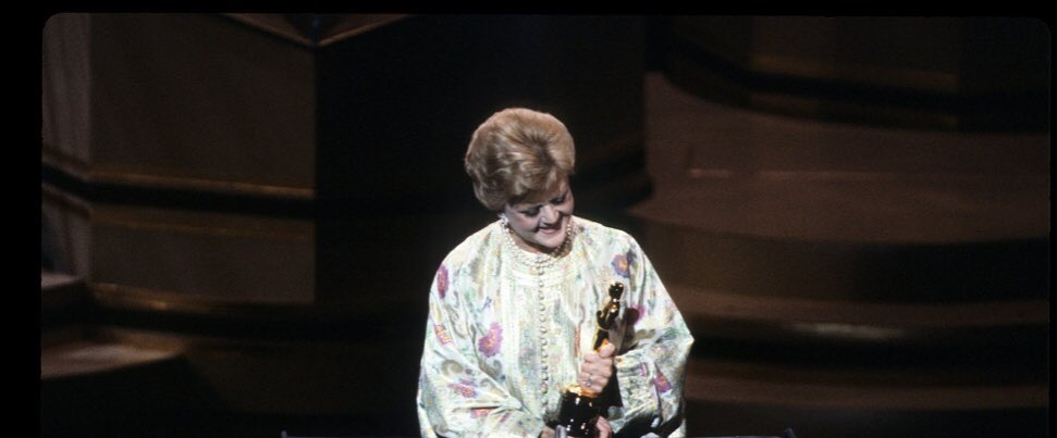 Just Betty lounging on the floor with her award  But seriously look at them 🥺  #bettywhite #angelalansbury