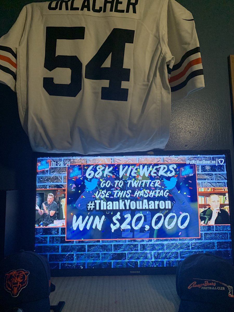 HUGE shout AGHT to Pat and the boys for showing a diehard Bears fan Aaron Rodgers the human. Total badass and chill dude with big cajones to come on #PatMcAfeeShowLIVE today. Now let's get him to the #Colts cause I still need the NFC North to be Bears TAHN #ThankYouAaron