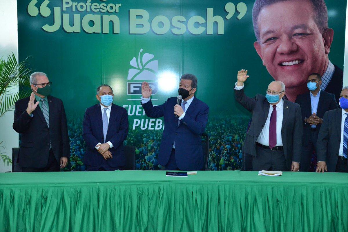 Recibimos con beneplácito a los nuevos compañeros que hoy, junto a Octavio Lister y al Dr. Erasmo Vásquez, ingresan a nuestro partido para formar parte de la construcción de un nuevo camino de esperanza para el pueblo dominicano. ¡Bienvenidos a @FPComunica, el partido del futuro! https://t.co/G9fhnkimdt