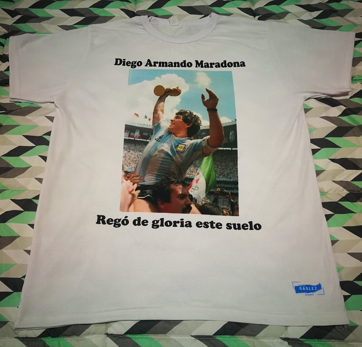 Diego Armando Maradona - Regó de gloria este suelo. . . . #remerasestampadas #diegoarmandomaradona #eldiego #sublimados #estampas #diegomaradona #copadelmundo #argentina #mexico86 #seleccionargentina #diego #maradona https://t.co/z7NoWBdzYB