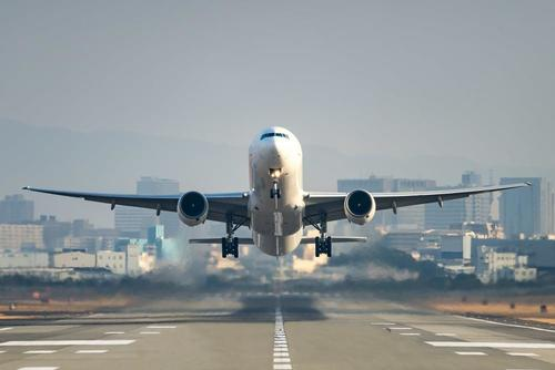 """Germany Poised ToCut InternationalAir Travel """"To #Almost Zero"""" On Virus #Variant #Fears"""