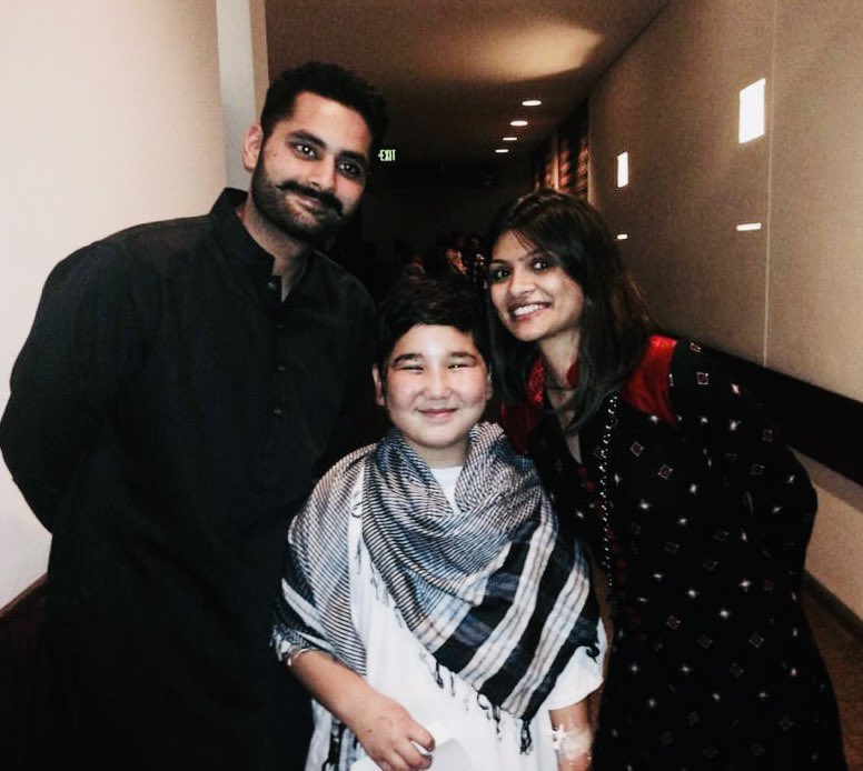 7 yrs ago with @MJibranNasir & our brave Ibtihaj at AKH Karachi. He had no idea that his mother&sister had passed away in the bomb blast. I still remember how he took us to all other injured in the hospital, telling us stories of each without losing his smile :(#hazaralivesmatter