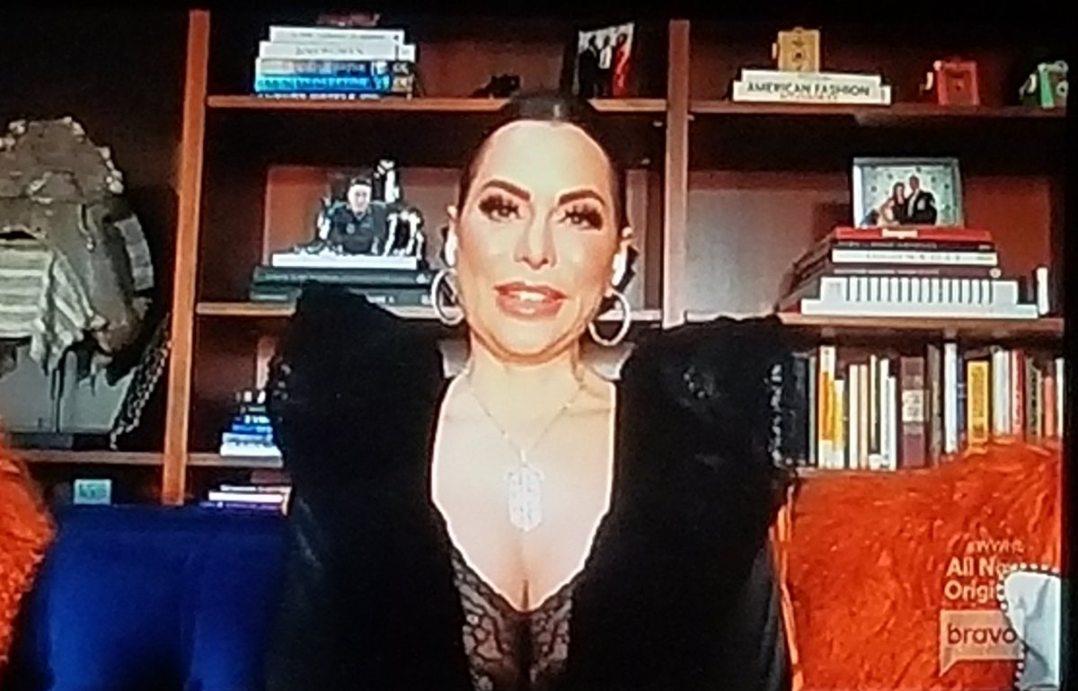 D'andra looking absolutely stunning on #wwhl #rhod