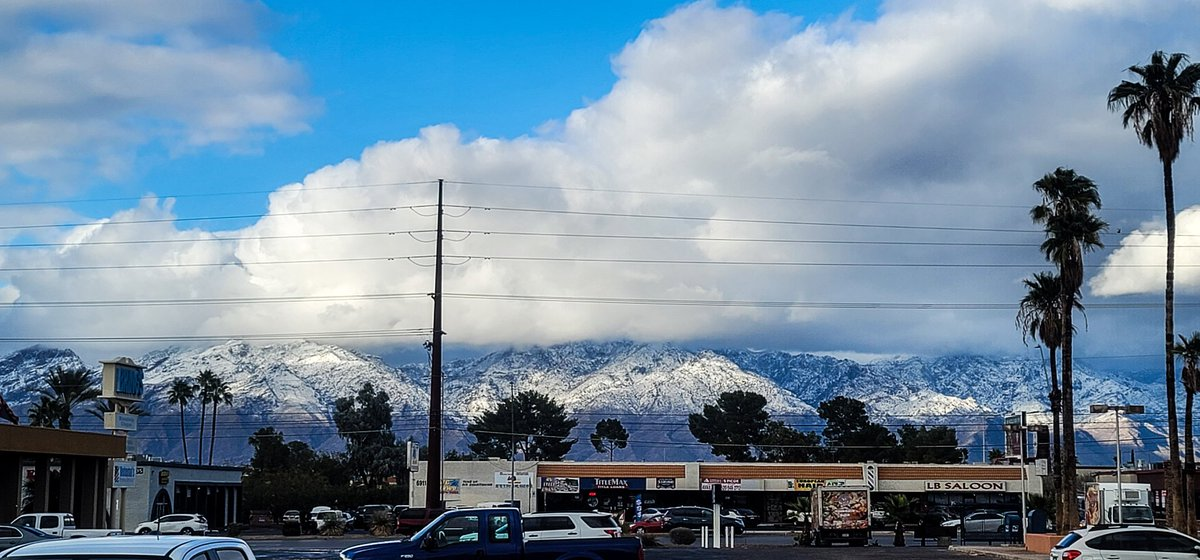 Could barely tell it's tucson #tucson #snow #TucsonSnow