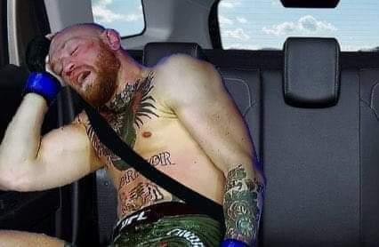 El del Uber: Ya llegamos a su casa Joven   -Yo: #McGregorPoirier #UFC257 #McGregor #PoirierMcGregor2