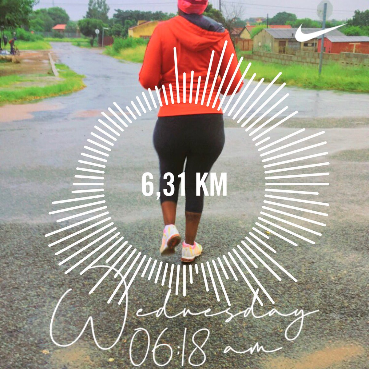 #Day18 #RunningWithTumiSole #FetchingYourBody2021  when it's pouring rain 🌧 and you bowling through the wet, theres satisfaction that you out there and others aren't 🤪🤪  27•01•2021 06:31