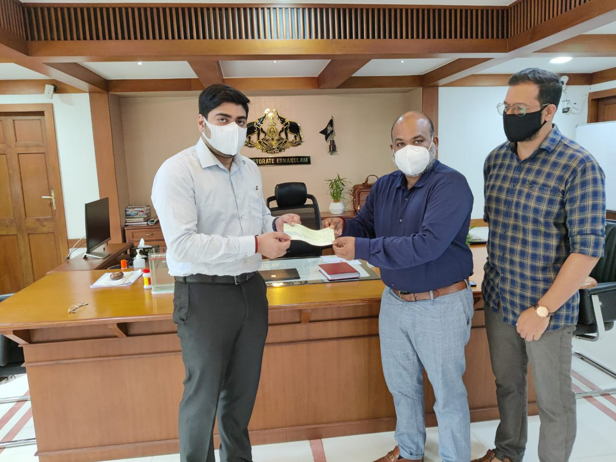 We are excited to present Suhas S, IAS, District Collector of Ernakulam, with our donation of 150000 INR to support those in need at the Kalamassery Medical College.   #ValoremGives #ValoremKochi #COVIDRelief #COVIDCare #KalamasseryMedicalCollege #KeralaGiving #HolidayGiving
