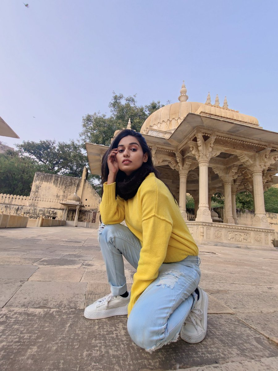 Meet my sole mate from Day 1 of Jaipur trip 💛 #ootd #frenesia  #travel #wednesdaythought #ThursdayThoughts #thursdaymorning