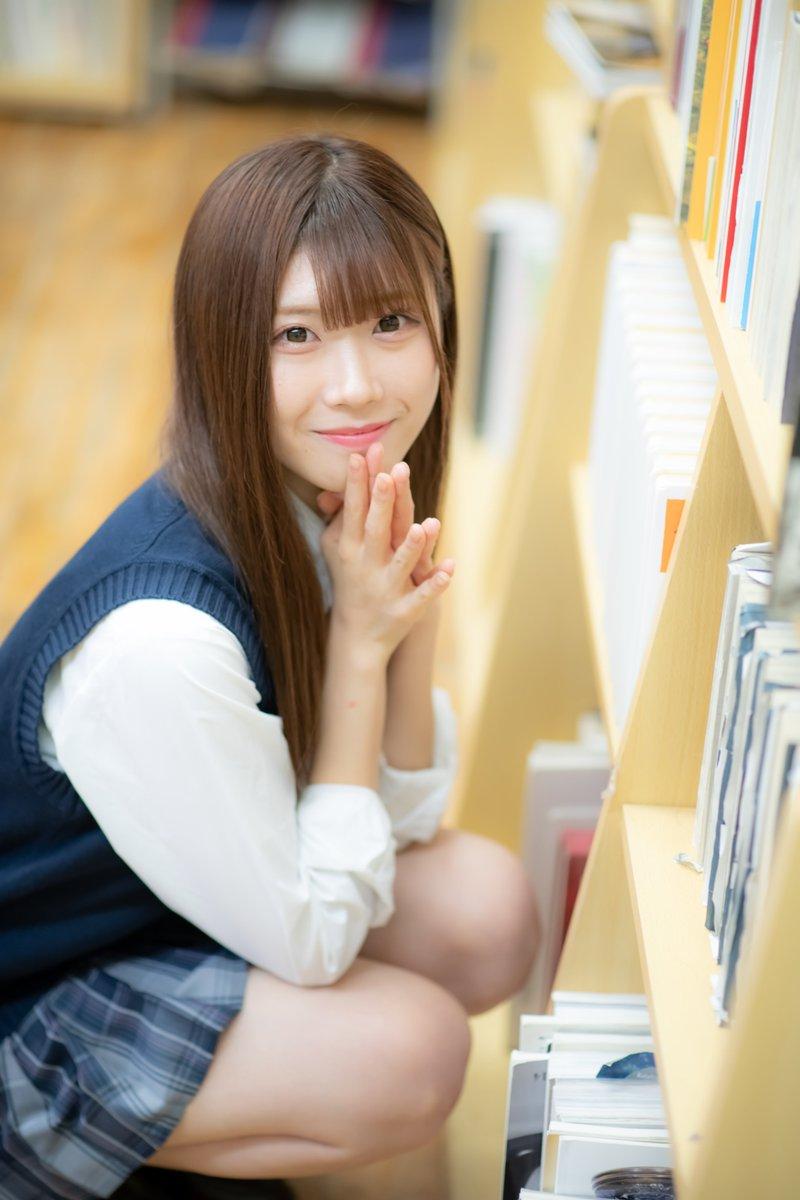 20.10@pstudio #立花紗知 さん13 #プリュ撮影会 #ぐでさちLIFE  美少女は何故か図書室が似合いますよね。  #ポートレート #portrait #ポートレート好きな人と繋がりたい #ポートレートしま専科 #写真好きな人と繋がりたい #ファインダー越しの私の世界 #キリトリセカイ #ふぉと https://t.co/2WCchwSYa5