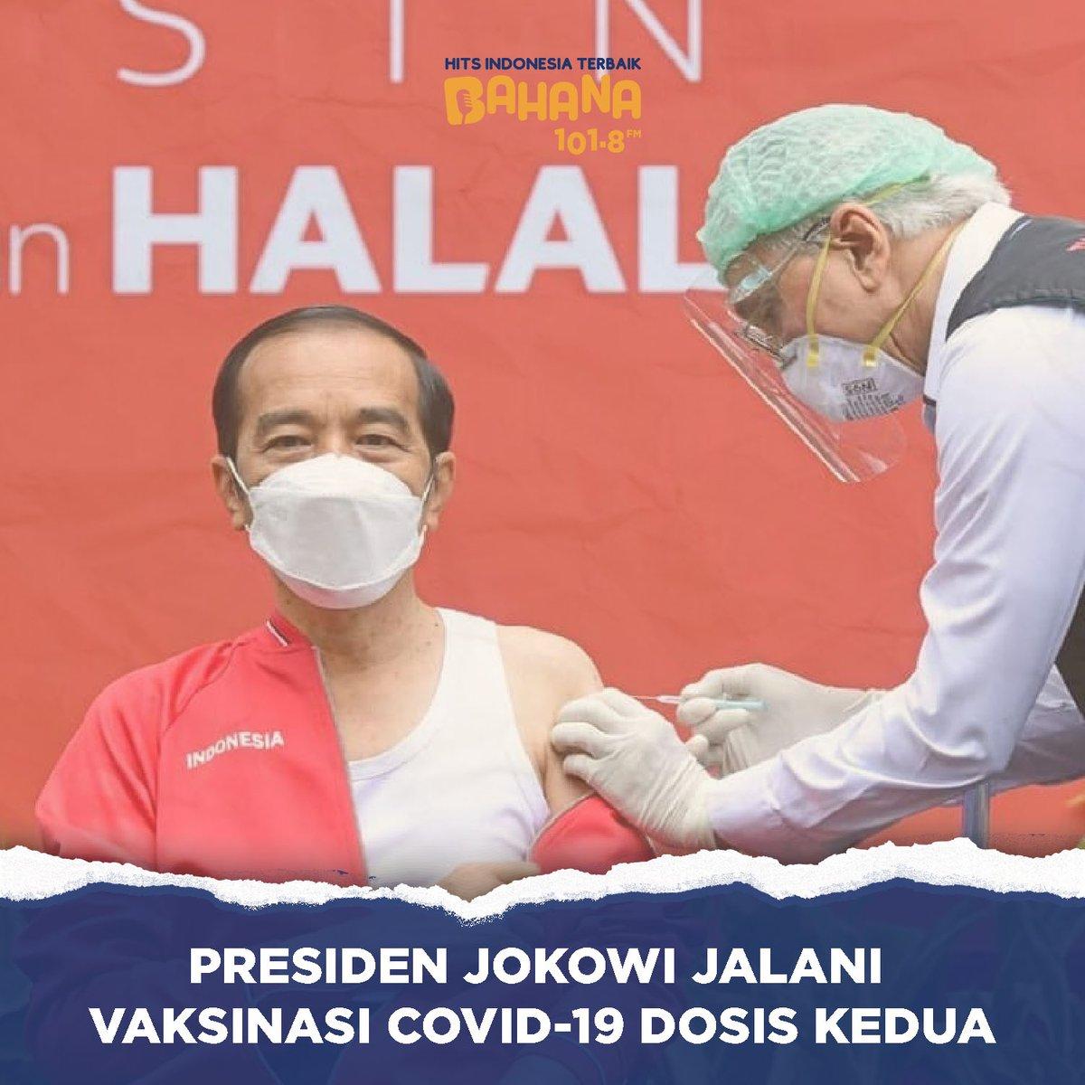 Presiden RI, @jokowi menerima suntikan virus Covid-19 dosis kedua di Kompleks Istana Kepresidenan Jakarta. Rencananya vaksinasi Covid-19 untuk masyarakat umum akan ditargetkan bisa dimulai pada pertengahan Februari 2021.  -- #BreakingNews #BahanaFM #berita #jokowi #presidenjokowi