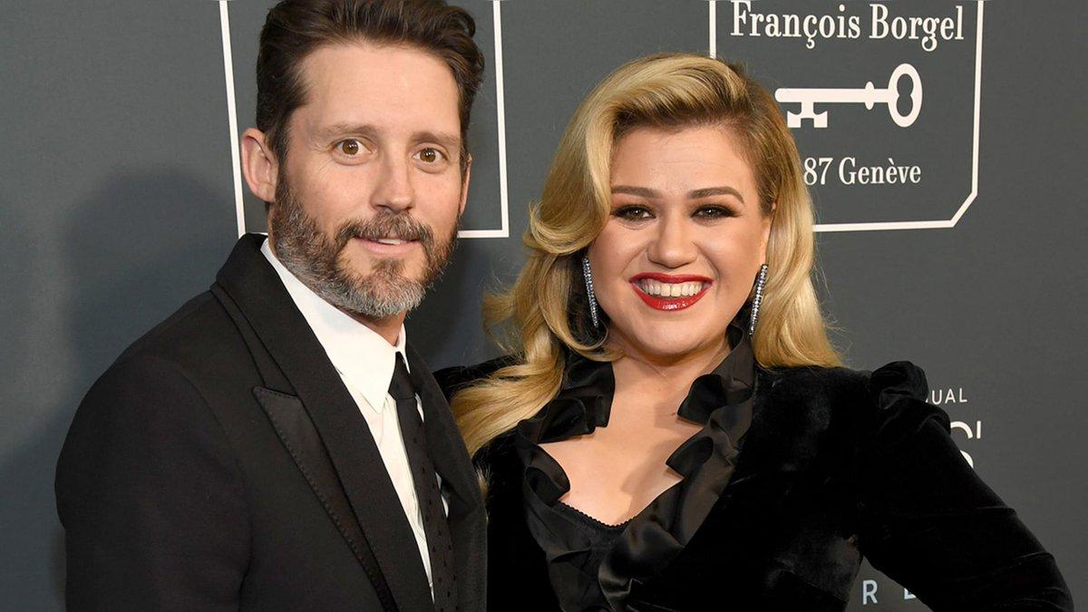 ☟ Kelly Clarkson's estranged husband Brandon Blackstock denies singer's defrauding claim: re #BreakingNews #foxnews #Retweet ➽➽➽