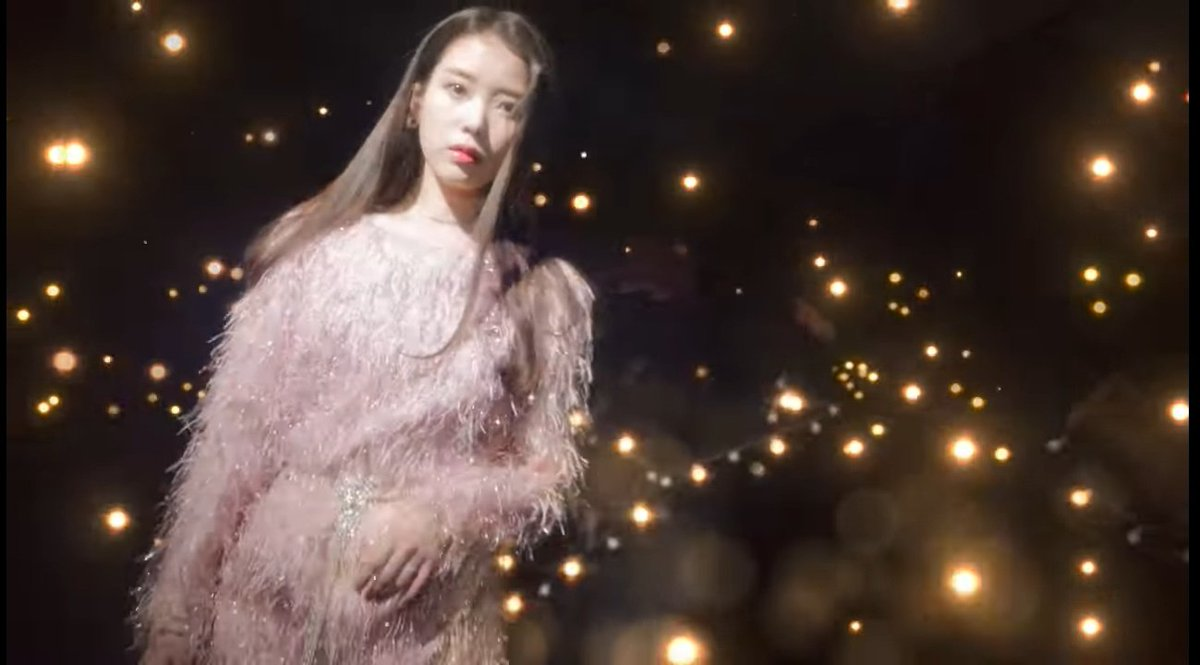 in the middle of those lights, you are the star that will always catch my eyes 🥺  #아이유_Celebrity_6시발매 #CelebrityIU  #CelebrityToday #IU5ISCOMING