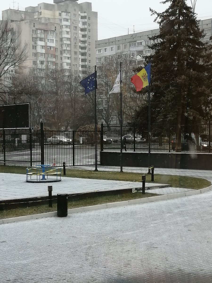 Winter is trying to return to Moldova #winter #Moldova @HIS_Moldova @HeritagePrimary