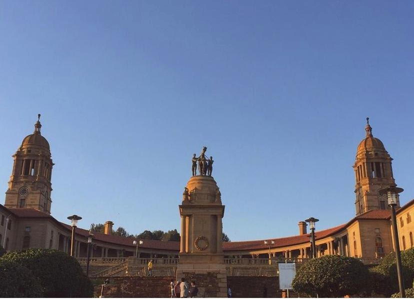 Happy Wednesday! Any plans for the weekend yet? We're just popping in to remind you to wear your mask in public! Stay safe out there.  . 📷 @building_addiction . #capitolbuilding #unionbuildings #union #tshwane #pretoria #pretoriacoza