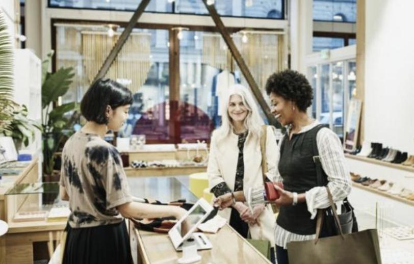 Quid du retail physique pour 2021 ?  👉 Phygital 👉 Expérientiel 👉 Physique 👉 Responsable Découvrez-en plus dans notre dernier article 🔗   #Physique #Commerce #Magasin #Boutique #Retailer