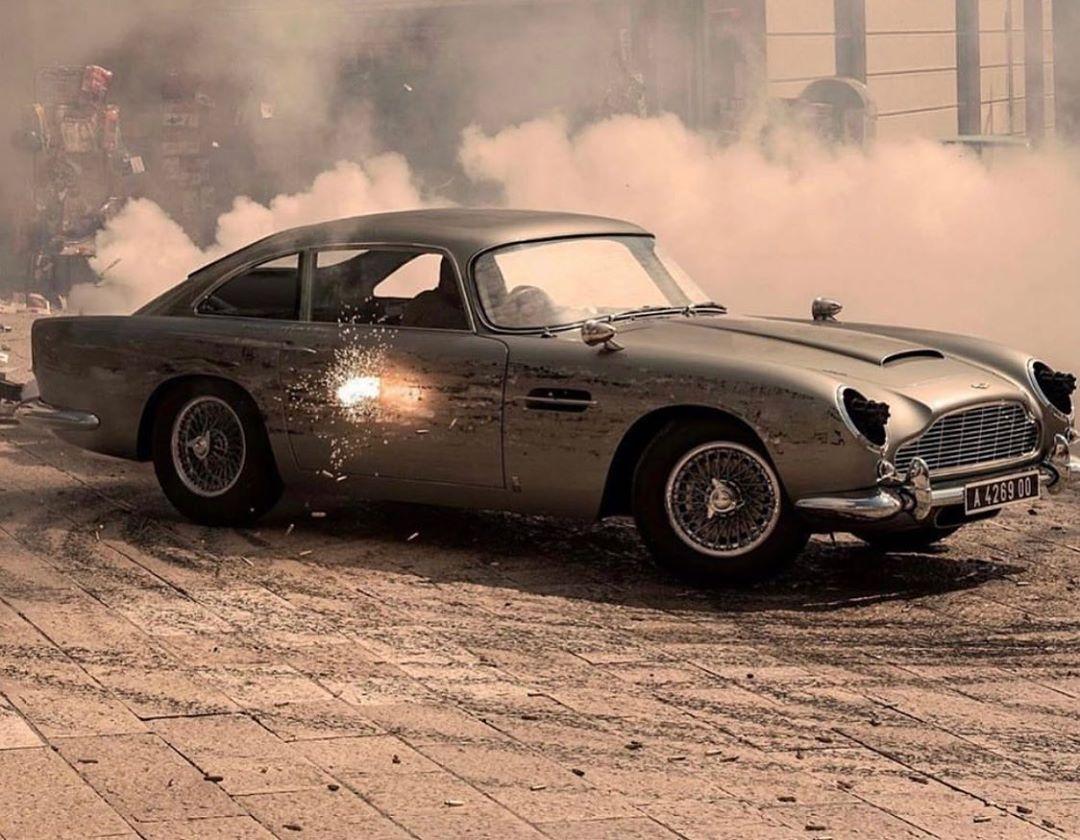 #JamesBond #Bond25 #NoTimeToDie #movie #cinema #BondJamesBond #behindthescenes #filmproduction #filmcrew #setlife #crewmatter #Bondfilm #sfx #Matera #filmlocation #AstonMartinDB5 #stuntdriving
