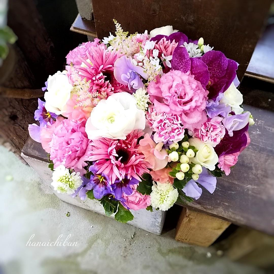 いつまでも寒いです😷 店内のストーブから離れられない日々が続いています💦 お花は春出いっぱいにお作りさせていただきました💐  #花一番 #花遊び #花屋 #花  #福岡  #北九州 #八幡西区  #ワークショップ #flowerspower #flowerspics #flowers #flowerslovers #flowershop #florist