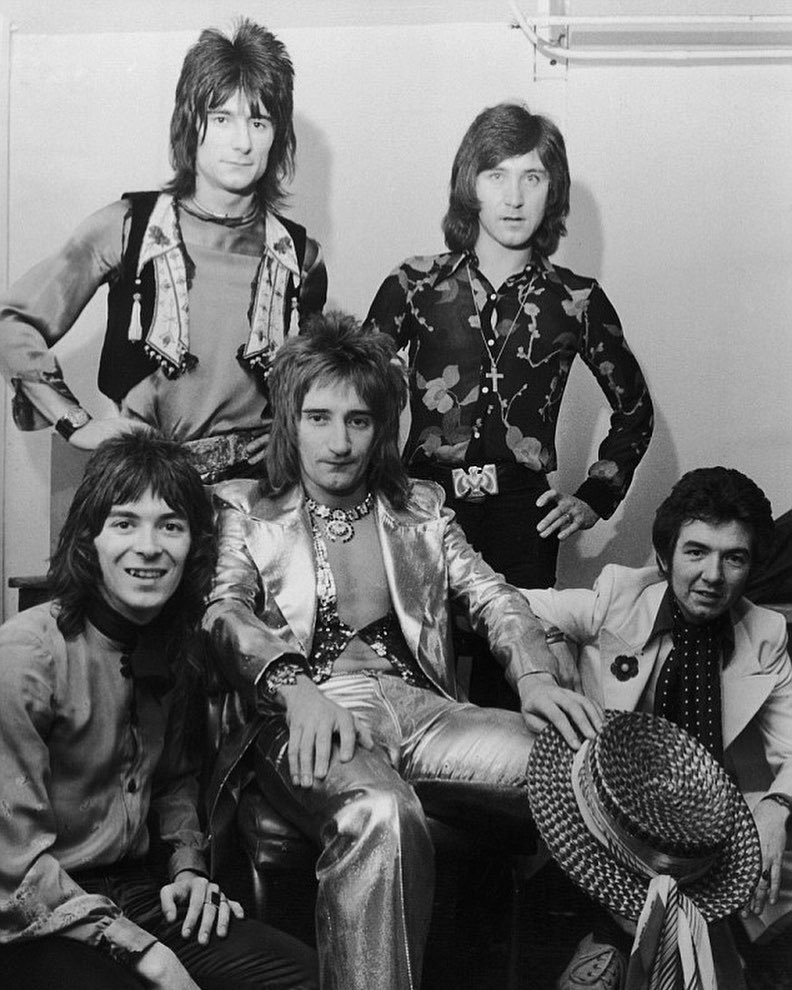 FACES  #rodstewart #ronniewood #ianmaclagan #ronnielane #kenneyjones #smallfsces #faces #70s #staywithme #rock #rocknroll #oohlala #bw #blackandwhite #rockstar #seventies #70sfashion #70sstyle #70smusic #tuesday #hair #glam #cool #love #live #concerts #livemusic #music