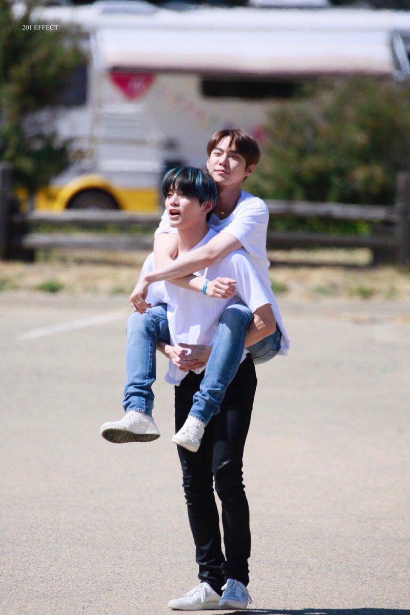 TAEYONG ; saranghae DOYOUNG ; ... NADOOO (me too)  GUYS MY HEART MY HEART 😭😭😭😭😭😭😭💚💚💚 OMG I LOVE DOTAE RELATIONSHIP SO MUCH😭💚 #NCT127DAY  #DOTAE