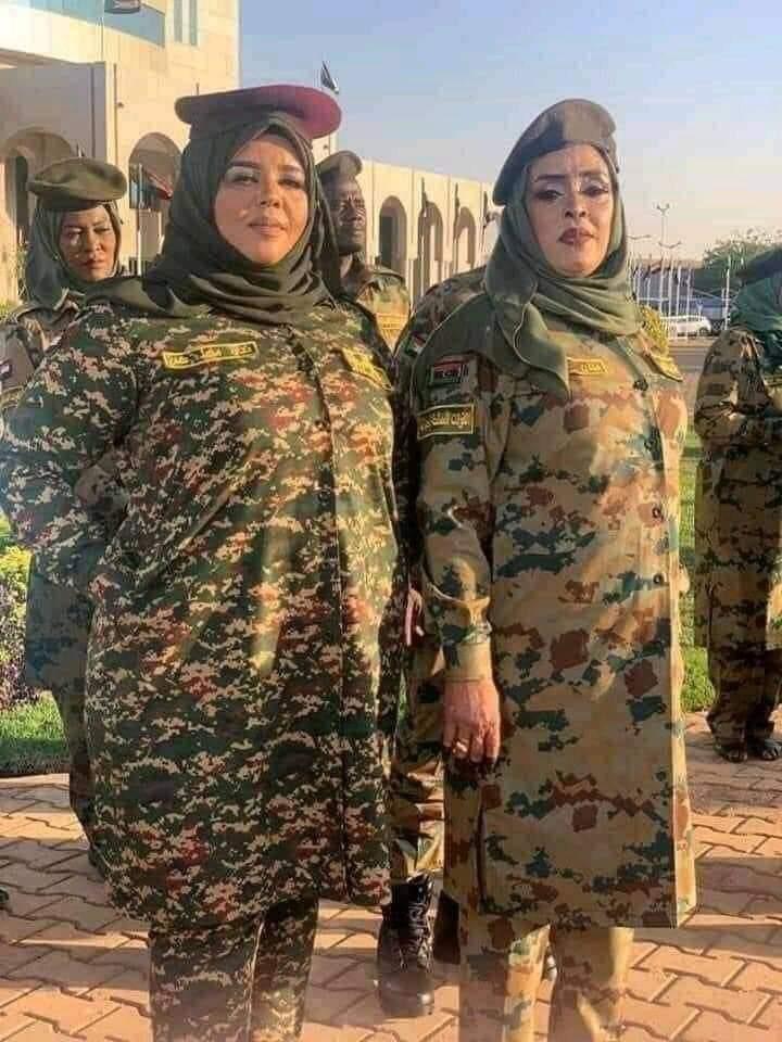 Who brought this feminine military uniform to #Libya ?