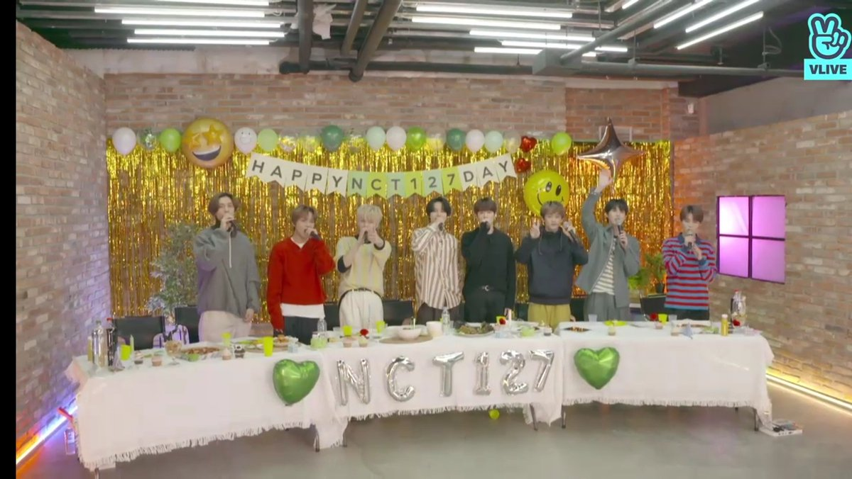 thank you boys @NCTsmtown_127 💚  #NCT127DAY #NCT127
