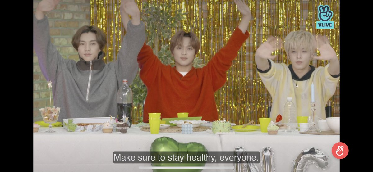 How did I manage to multitask watching 127 day while having an online training? Lol 🤣💚 The things we do to our loved ones!!! #nct #nct127 #NCT127DAY @NCTsmtown @NCTsmtown_127 ✨