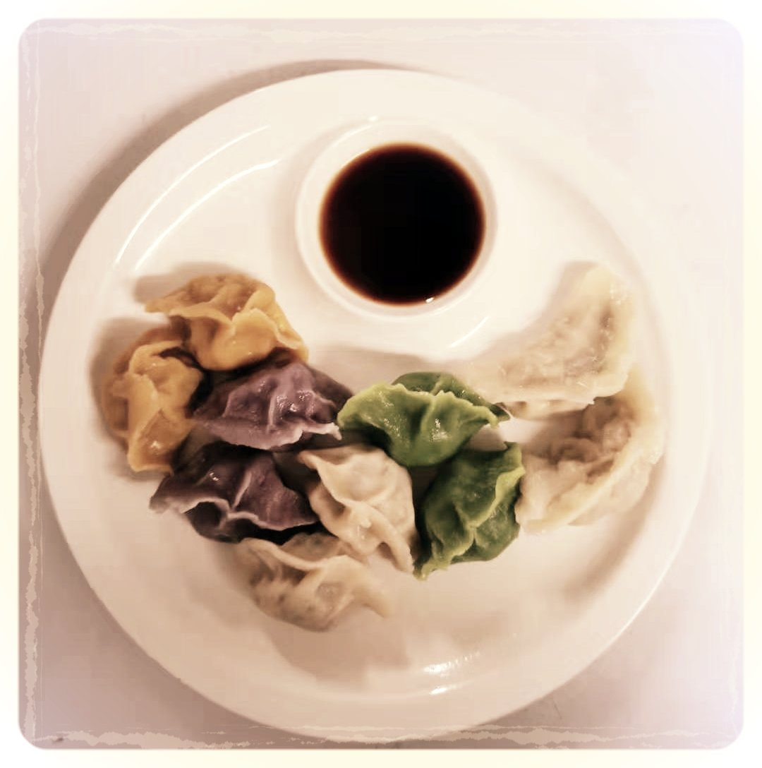 ¿Qué nos decís de estos raviolis? ¡Muy sabrosos! #jiaozi #dimsum #restaurantesmadrid #madridfood #foodiesmadrid #madridfoodguide #foodinmadrid #instafood #chinesecooking#chinesefoodi #comidachina #comidachinomadrid #comidaautenticamadrid #chinesespain #authenticchinese #yummi