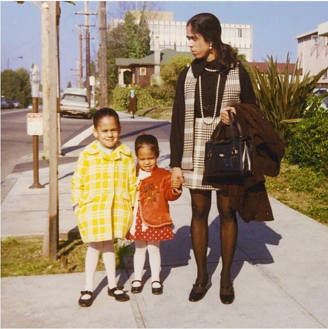 """My mother understood very well that...her adopted homeland would see Maya and me as black girls, and she was determined to make sure we would grow into confident, proud black women."" @VP Harris. This was a BIG deal. Here's why👉🏾 https://t.co/svcMJdxIP6 https://t.co/L7A6RCupL1"