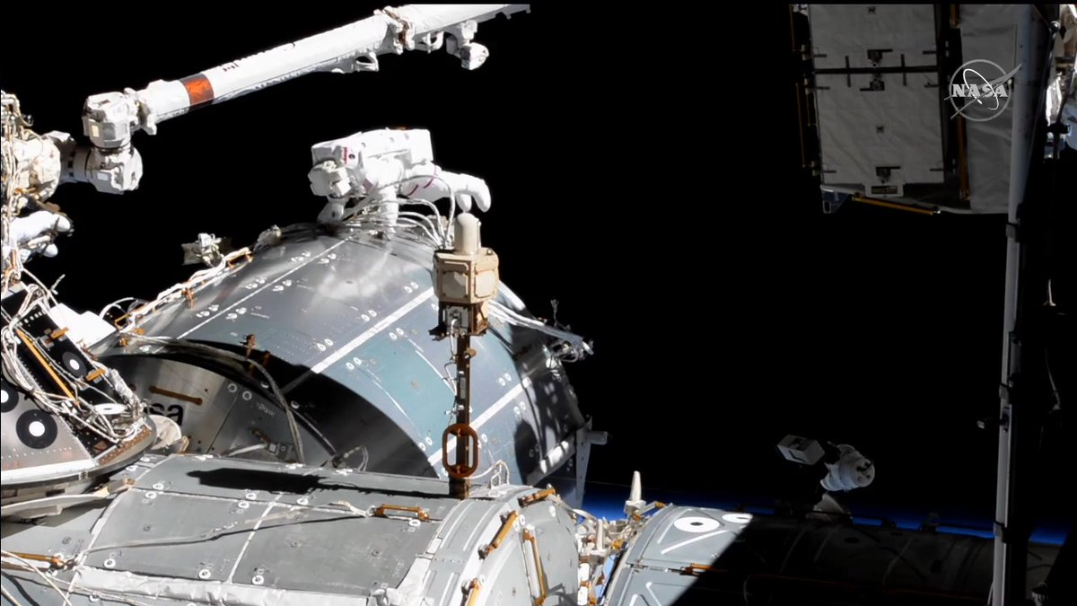 The spacewalkers are working on antenna cable connection and heater issues right now on @ESA's #Bartolomeo science platform. #AskNASA  