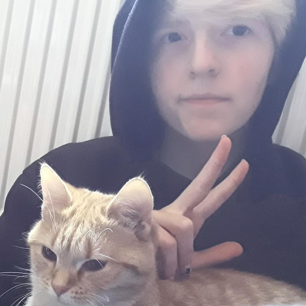 #awesamtwtselfieday :]  noodle and me chilling <3