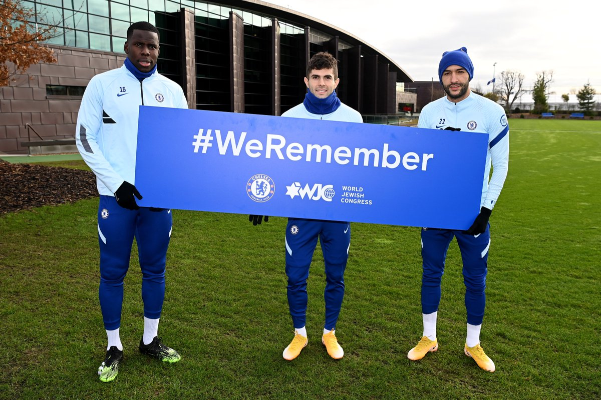 Today on #NationalHolocaustDay we remember the millions of Jews who lost their lives in the Holocaust.  We'll be paying tribute to the Jewish athletes that lost their lives before the start of tonight's game.  @WorldJewishCong #WeRemember 🕯️