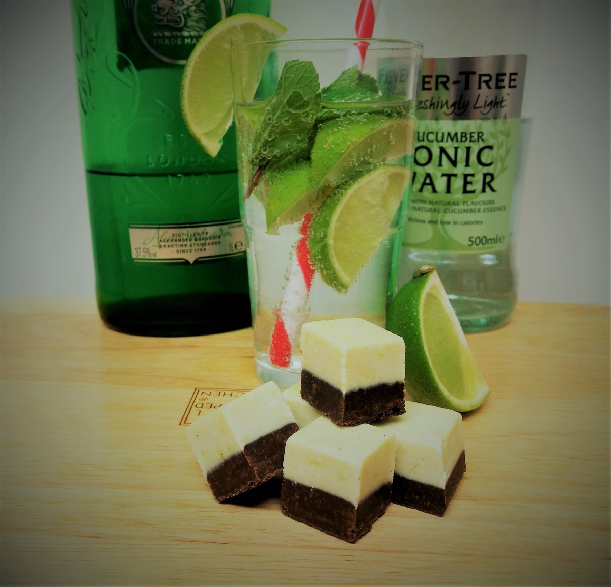 It doesn't have to be summer to enjoy our Gin and lime FabFudge, but it helps. #Vegan #TreatYourself   #ElevensesHour #Dairyfree #Veganuary #Veganuary2021 #WednesdayMotivation