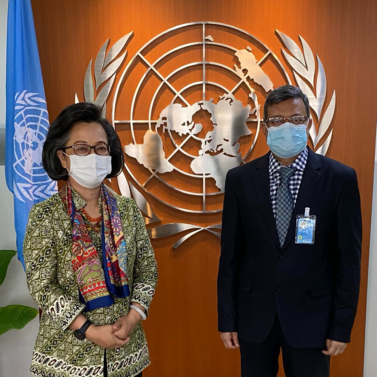 It was a pleasure to meet with the new Ambassador & Permanent Representative of #Bangladesh 🇧🇩 to @UNESCAP H.E. Mohammed Abdul Hye today. We discussed ways to strengthen our cooperation, & I look forward to working together to #buildbackbetter in #AsiaPacific. @MoFA_Bangladesh