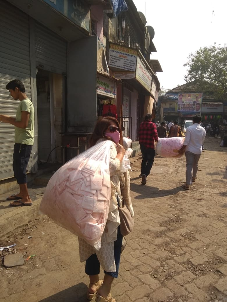 How can we not go to #dharavi on #RepublicDay @monicaraheja and akira navigated through thin alleyways yet again and distributed 10,000 #pads to the #women there. #26January #mumbai #india #women #72ndRepublicDay