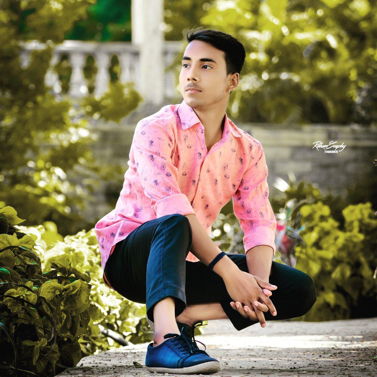 😍back_venture_@bio_sevart🤘🤘💕#instagramhub #nice #bored #all_shots  #throwback #home #loveit #jj #picstitch #colorful #20likes #shoes #instaphoto #snow #instacollage #harrystyles #boyfriend #niallhoran #statigram #tired #in #followback #instagramers #doubletap #model #nike