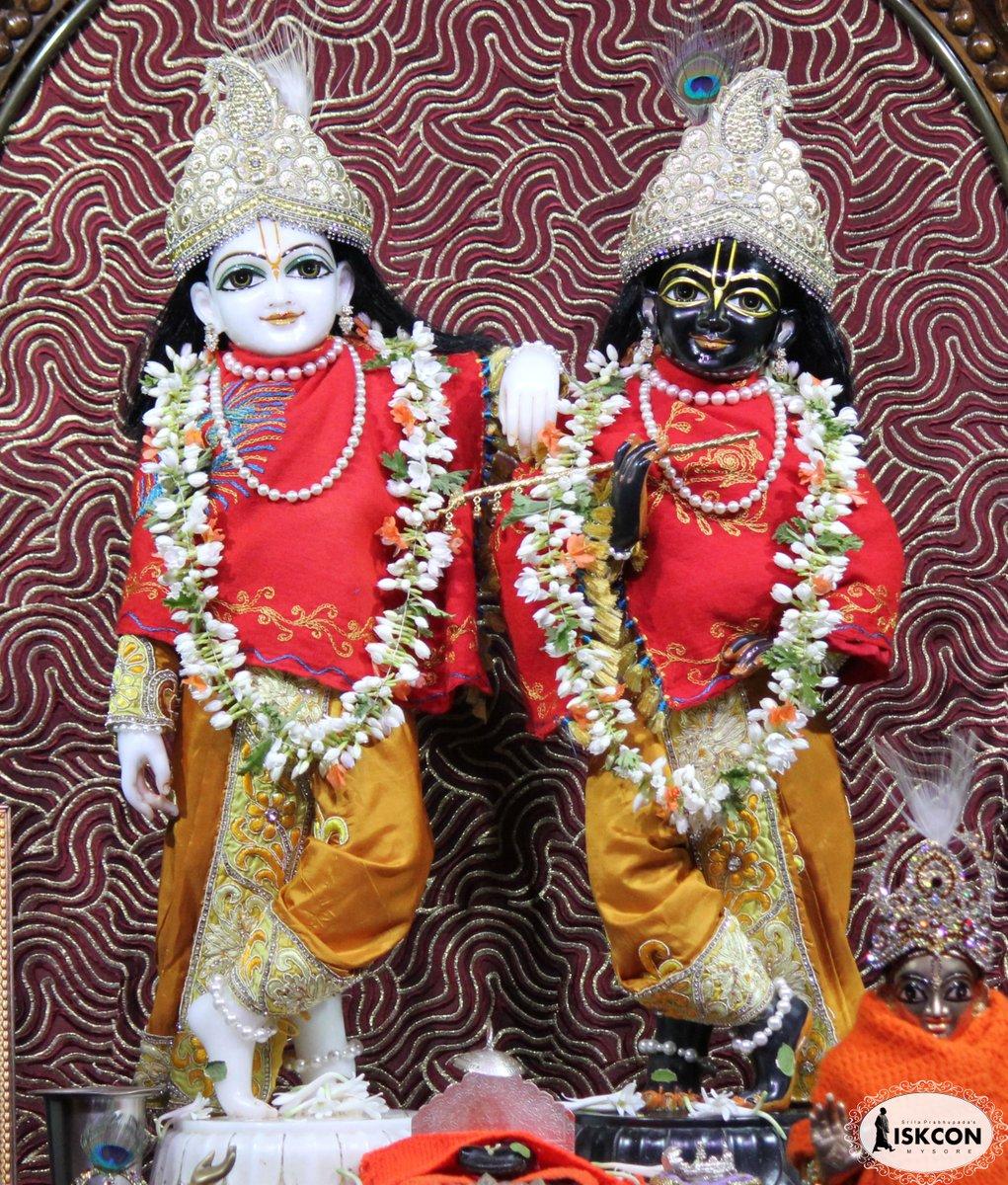 Darshan on 27th January 2021 #ISKCON #Mysuru #DailyDarshan #EarlyMorning #Krishna #27January #temples #worship #Blessings #BestofTheDay   #LordKrishnaLovers #deitydarshan