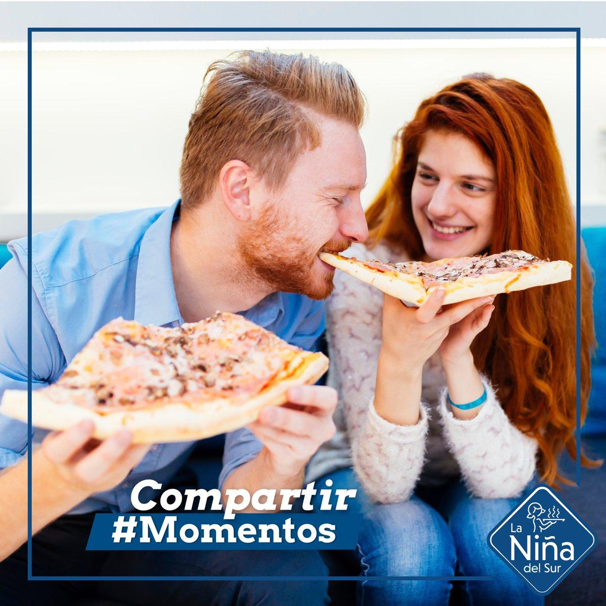 Compartir el momento y compartir tu pizza hacen que un miércoles normal sea muy especial. Nuestras pizzas Barbacoa, Kebab, Margarita,.., perfectas para ello 🍕😋. ¿A quién le darás un trocito de tu pizza favorita?😍 #Pizza #Pizzalover #PizzaTime #yummy