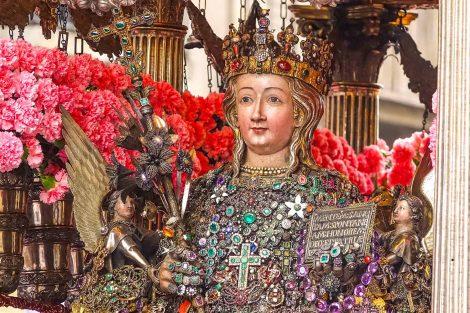 Festa di Sant'Agata senza i fedeli a causa del Covid19, ecco come seguire le celebrazioni online - https://t.co/j8a0coxizD #blogsicilianotizie
