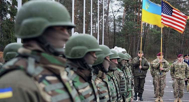 🇺🇸 🇺🇦🚨| Le Conseil suprême de l'Ukraine a approuvé le déploiement de 2.000 soldats US sur son territoire et d'un nombre similaire de troupes d'autres pays de l'OTAN. C'est une augmentation de 1 000 soldats de plus que l'année dernière.