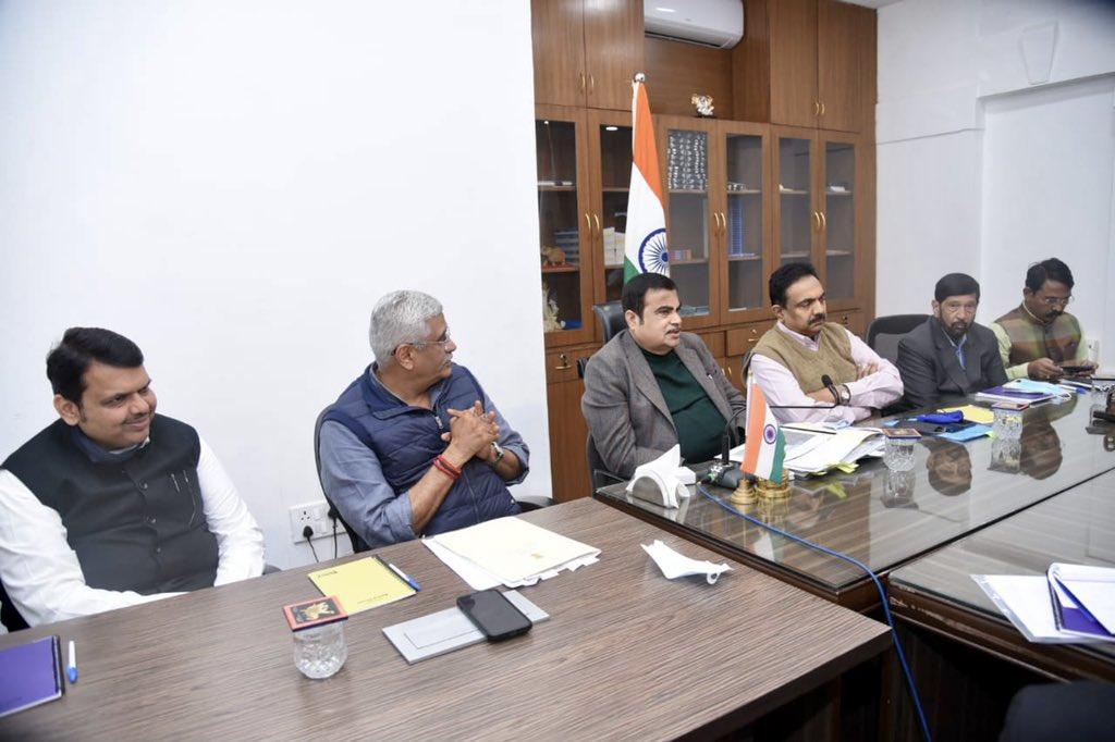 या सर्व प्रकल्पांमधील अडचणी सोडवून प्रकल्पांना गती देण्याच्या दृष्टीने अतिशय चांगली आणि रचनात्मक चर्चा यावेळी झाली. या पुढाकाराबद्दल केंद्रीय मंत्री मा. श्री नितीनजी गडकरी आणि श्री गजेंद्रसिंग शेखावतजी यांचा मी अतिशय आभारी आहे. #Maharashtra