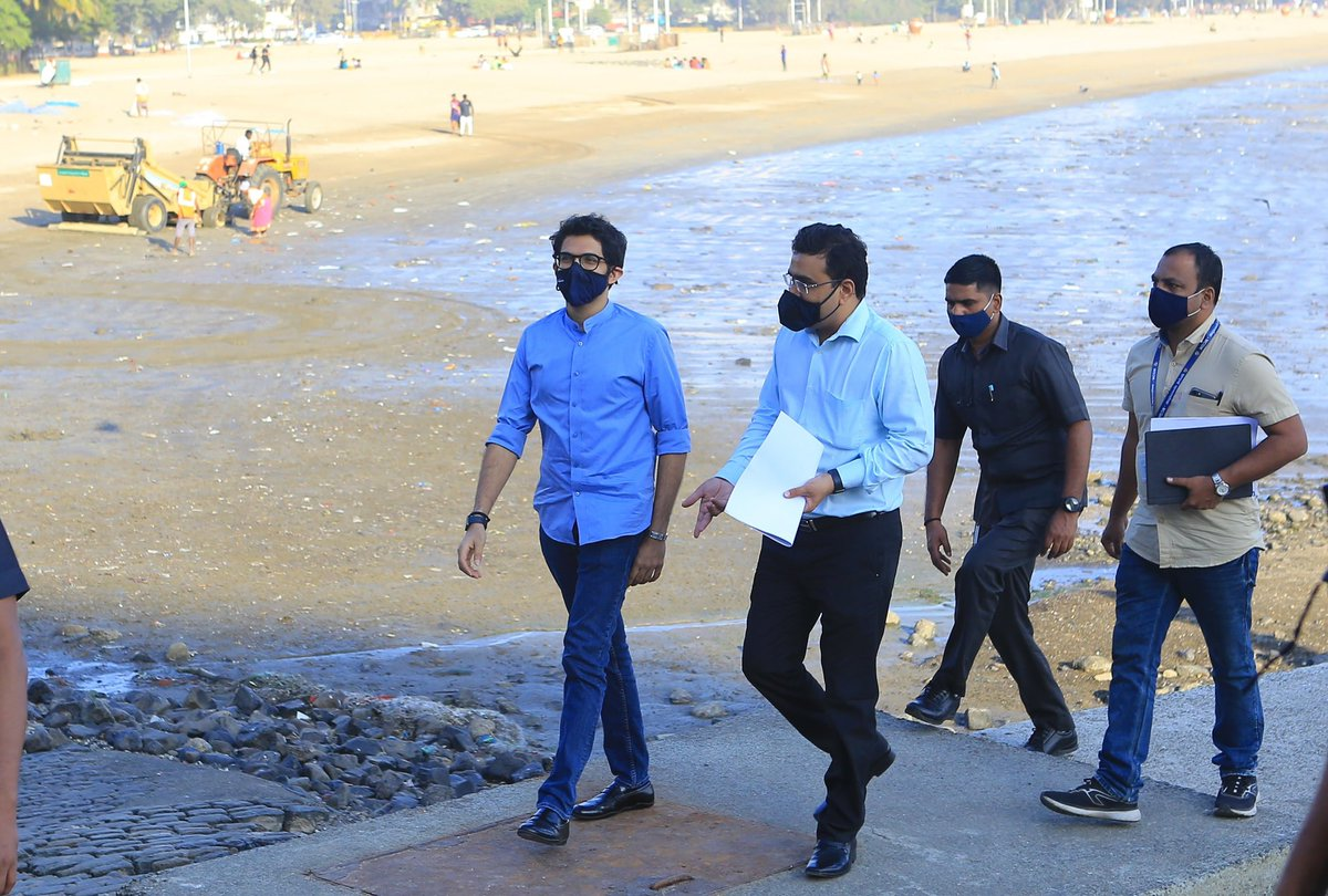 Visited the Girgaon Chowpatty near Walkeshwar where the @mybmcWardD is making a viewing deck over an existing sewerage spill out pipeline. This will add charm, clean out the drain and more importantly help tourists coming to our beautiful coast to observe Marine Drive