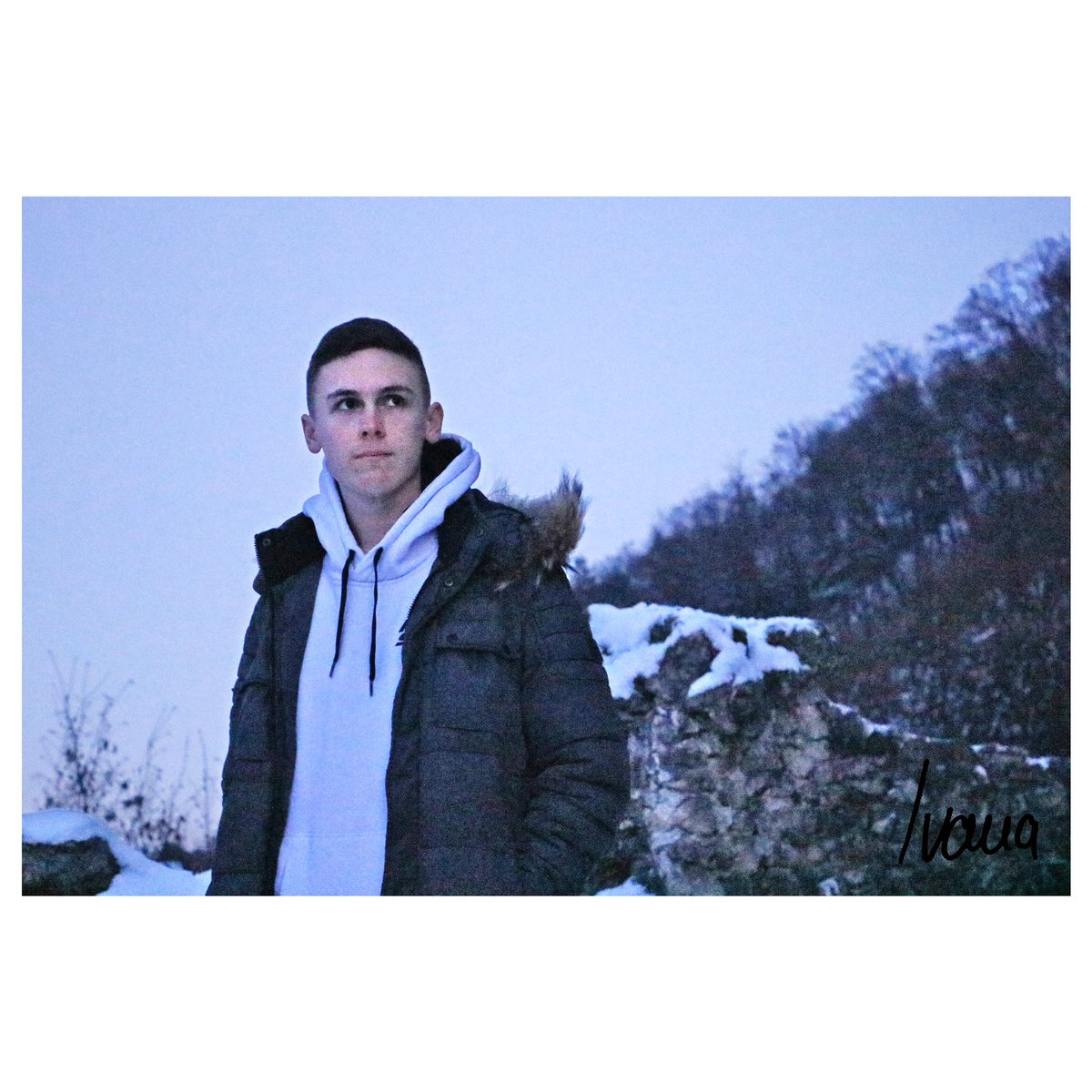 #snow #winter #boy #malemodel #photography #photo #photooftheday #photographylovers #photographer #photoshooting #photogram #portraitpage #portraitphotography #portrait #white #blue #color #colors