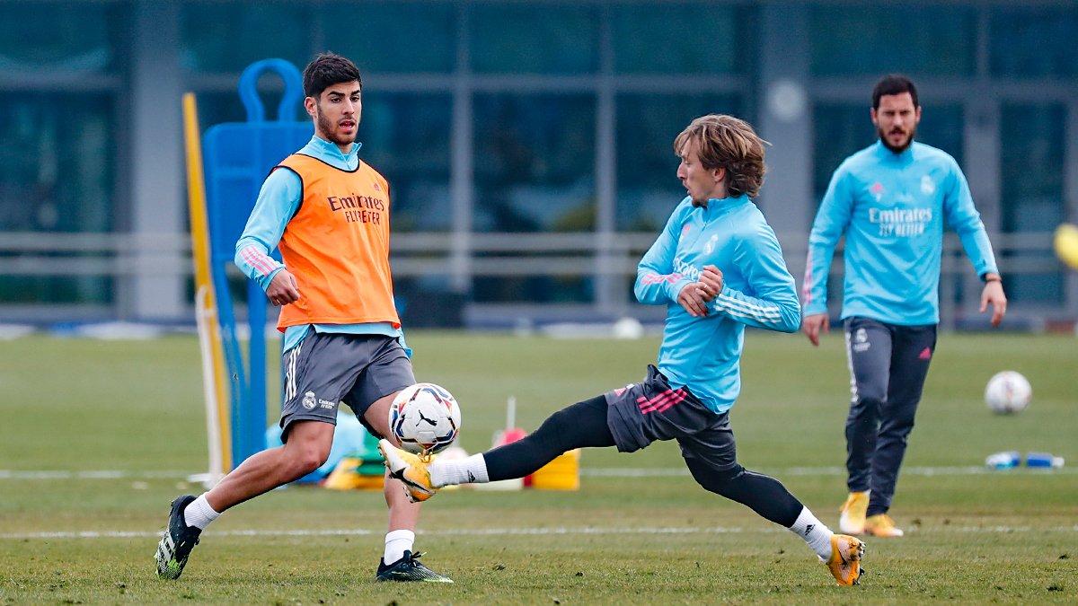 ⚽⚒️🌱 Nous continuons notre travail pour préparer le match 🆚 @LevanteUD #HalaMadrid | #RMCity