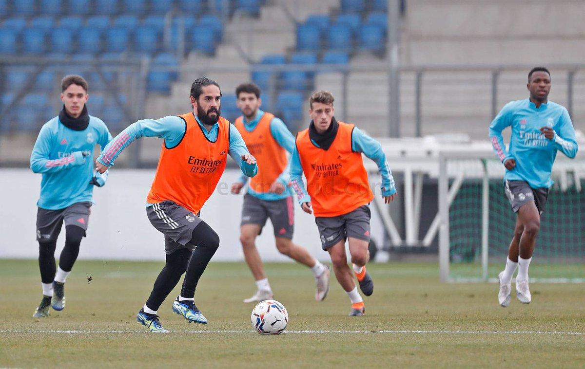 Lucas Vázquez principal ausencia del segundo entrenamiento del Madrid    #RealMadrid #LaLigaSantander #Zidane