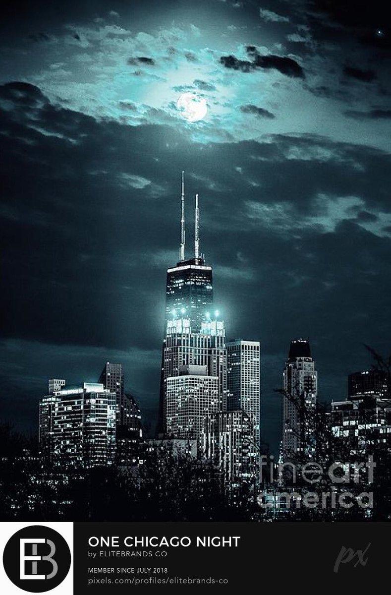 """One Chicago Night"" 📸 #EBCo   #OneChicago #Chicago #Citywide  #WelcomeBack #BehindTheScenes #ChicagoPD #ChicagoFire #FilmCrew  #AerialPhotography #Skyline   #Filming #Film #FilmPhotography #Photoshoot #PhotographyIsArt #Art  Copyright © #EliteBrandsCo 👀"