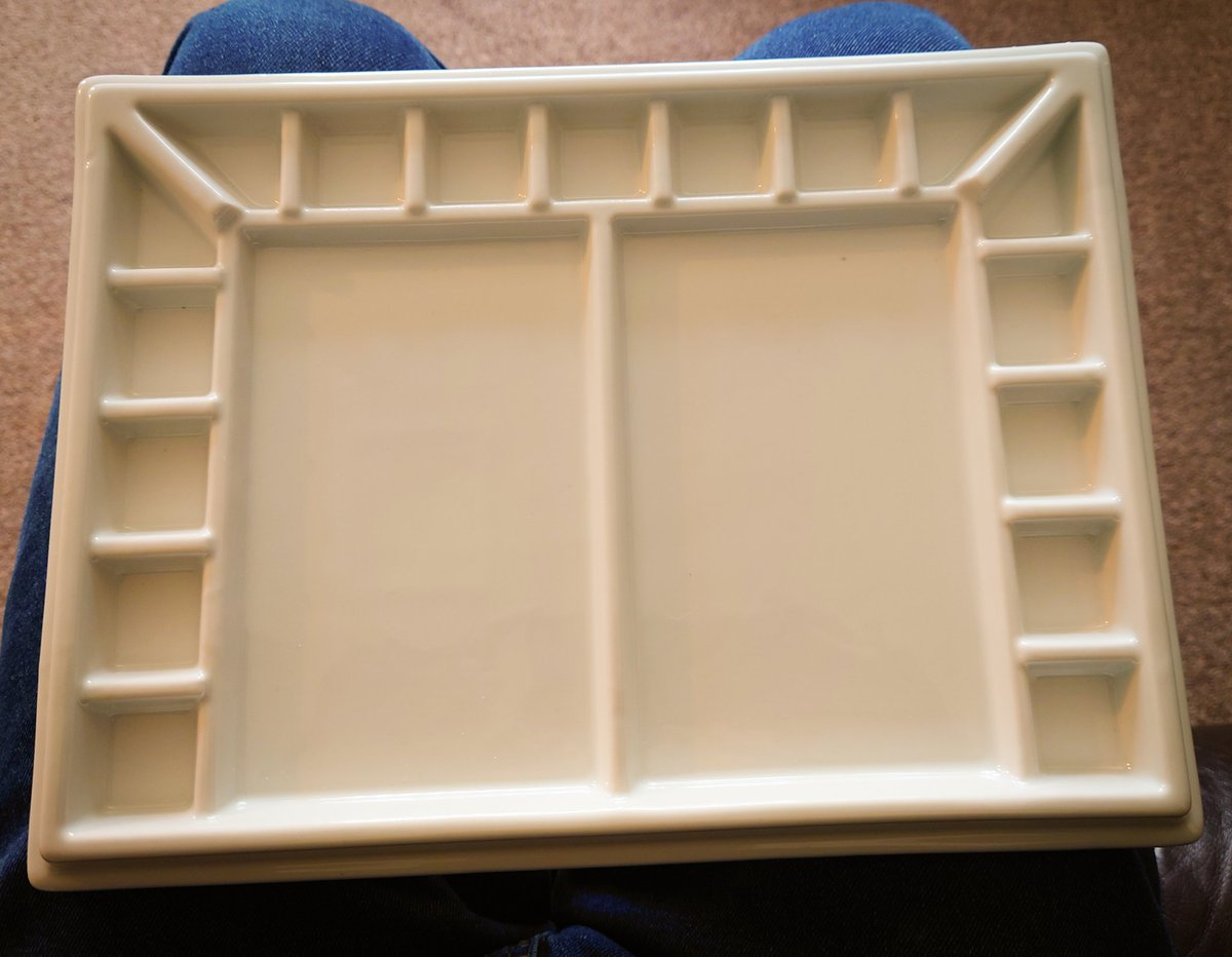 New porcelain painting palette arrived today, been after one of these for a while now... Looking forward to using it. #artistsontwitter #warhammer #WarhammerCommunity #scalemodels #painting #Creative #creativity #equipment #artist